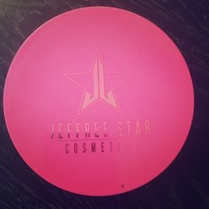 "Jeffree Star skin frost in ""Regina George"""